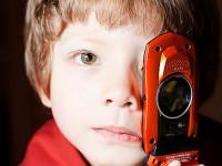 Вреден ли мобильный телефон для детей? (видео)
